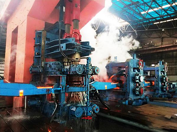 轧钢机设备在金属冶炼成形及资源整合兼并方面发挥可靠效用