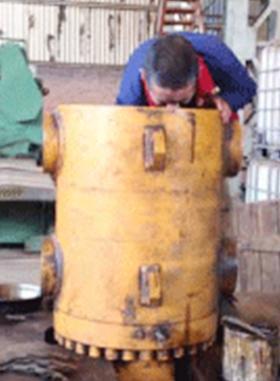 水泥立磨液压缸修复